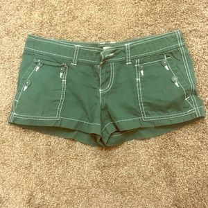 Mossimo - dark green shorts